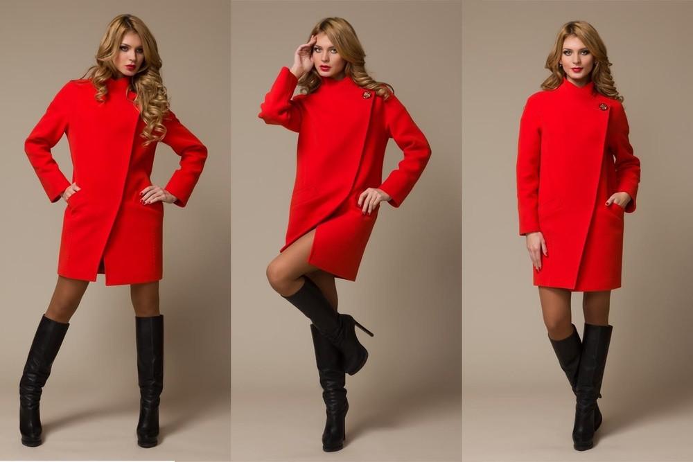 красное пальто аврора